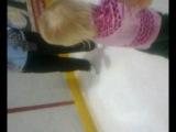 Злата первый раз на коньках в Кондопоге.Февраль 2012
